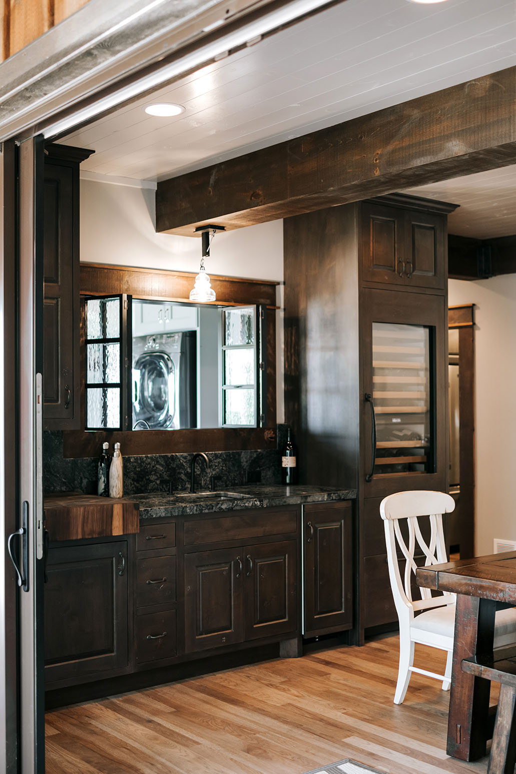 Stupendous Rustic Wet Bar Alpine Cabinetry Alpine Cabinetry Home Interior And Landscaping Mentranervesignezvosmurscom