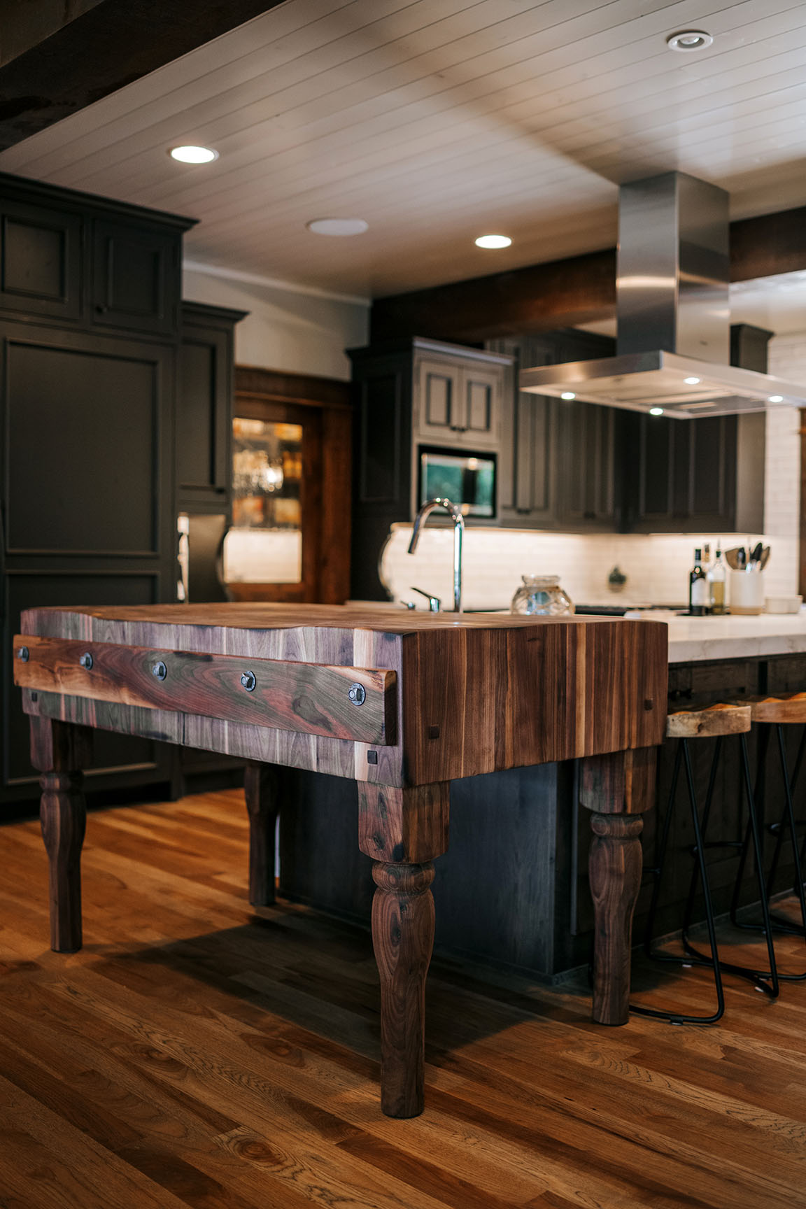 Transitional Two Toned Kitchen Alpine