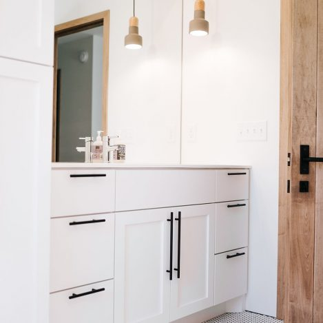 Extra White Vanity with black bar pull handles